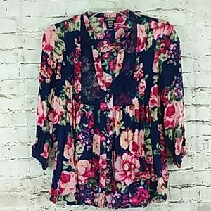 Canyon River Blouse Size Small  Navy Blue Pink